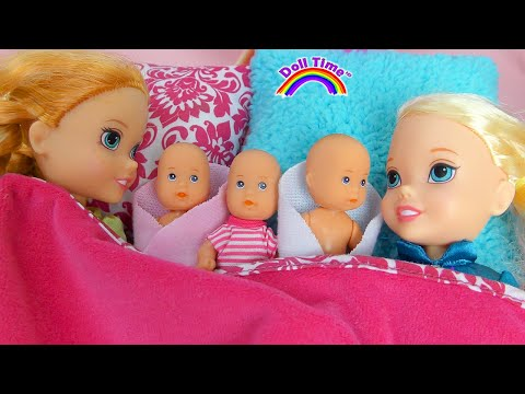 Elsa Anna Toddlers Babysitting Barbie's Baby Doll Triplets!👶🍼