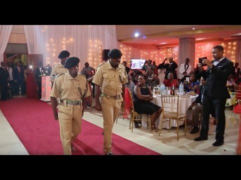 Video Original Komedi walivyoingia kwenye Harusi ya Masanja na sare za Polisi download in MP3, 3GP, MP4, WEBM, AVI, FLV January 2017