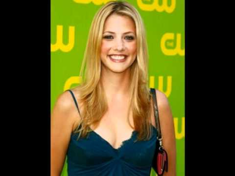 Hollywood Actress Julie Gonzalo