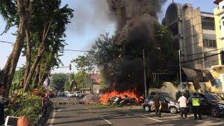 Video Bom di Tiga Gereja Surabaya, 6 Orang Tewas dan 35 Terluka MP3, 3GP, MP4, WEBM, AVI, FLV Mei 2018