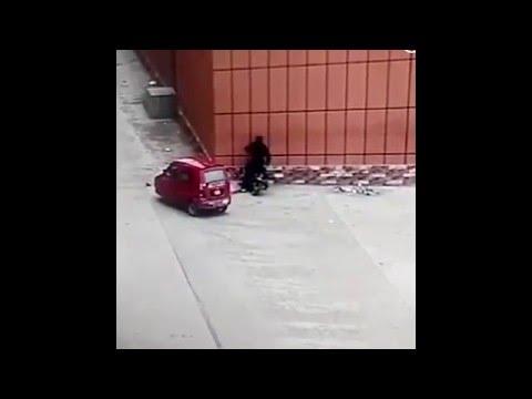 史上最爆笑的傘騎!別再拿雨傘騎機車了!