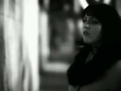 Love Grenades - Young Lovers lyrics