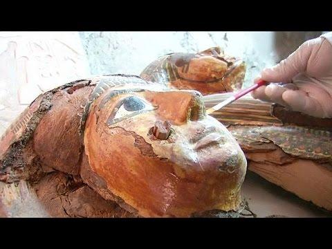 Αίγυπτος: Αρχαιολόγοι ανακάλυψαν 6 μούμιες και 1.000 ταφικά αγαλματίδια