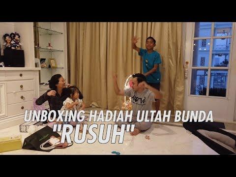 """The Onsu Family - UNBOXING HADIAH ULTAH BUNDA """"RUSUH"""""""
