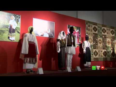 La magia del colore nell'arte tradizionale rumena - Costumi del Museo del Villaggio - www.HTO.tv
