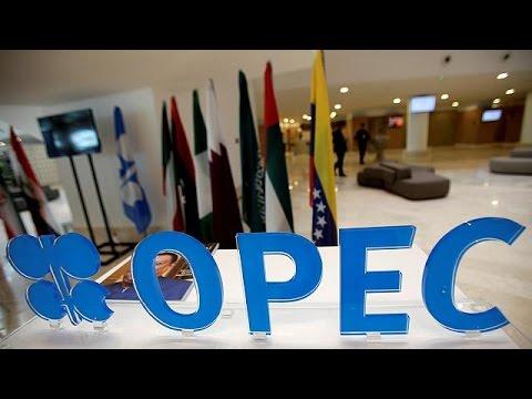 Άλμα στις τιμές του αργού πετρελαίου μετά τη συμφωνία του OPEC
