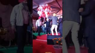 watch garry sandhu live performance on weeding show