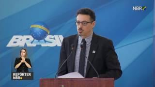 REPÓRTER NBR - 25.07.17: Sérgio Sá Leitão assumiu hoje o Ministério da Cultura. No discurso de posse, ele disse estar honrado com a oportunidade e falou sobre o papel da cultura no país. O novo ministro se comprometeu  ainda com uma gestão eficiente da pasta.