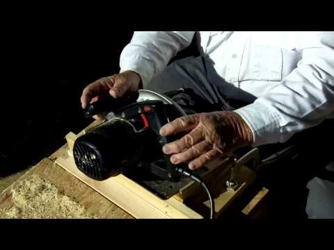 Making Handholds on Bee Boxes using a Circular Saw Safely