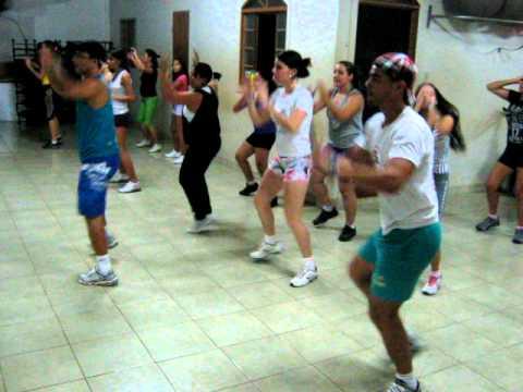 Dança do Kuduro- Latino, Com o Prof. Luciano.avi