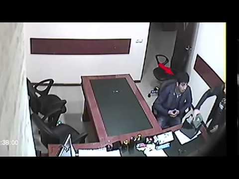 Խարդախությամբ հափշտակել է քաղաքացու «Ռոլեքս» տեսակի ժամացույցը (տեսանյութ)