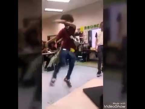 Ayo & Teo performs in high school classroom (Teo's best footwork) (@shmateo_)