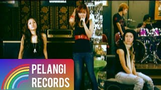 Pop - Dewi Dewi - Takkan Ada Cinta Yang Lain | Official Music Video