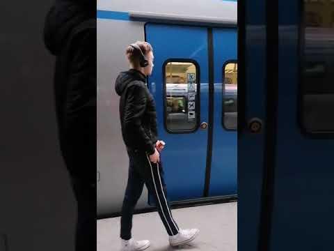 Epidemia w Szwecji… Wszędzie ludzie chodzą bez maseczek