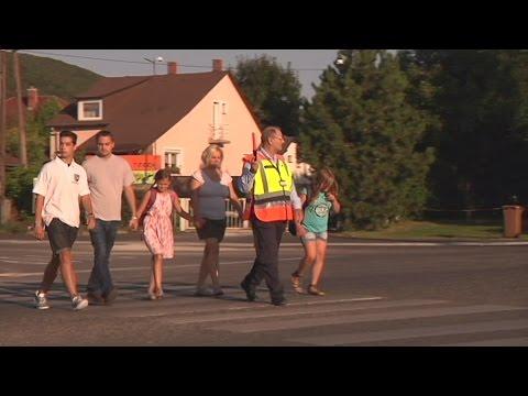 Polgárőrök felügyelik a biztonságos iskolába járást