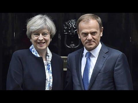 Μέι- Τουσκ: Σε κλίμα συνεργασίας η πρώτη συνάντηση μετά την ενεργοποίηση της διαδικασίας του brexit