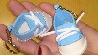 Como fazer um mini tênis de chaveiro em EVA para chá de bebê