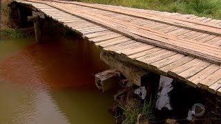 Marília: moradores cobram melhorias para ponte de madeira no distrito de Rosália