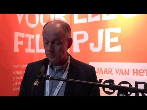 Ruud Hakvoort leest voor