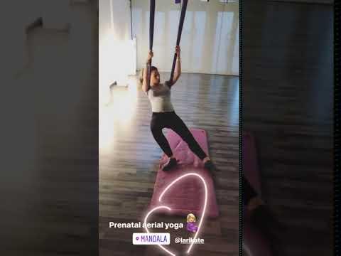 Η Αθηνά Οικονομάκου κάνει aerial yoga για έγκυες