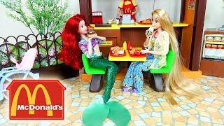 Download Lagu Barbie McDonalds makanan cepat saji pagi rutin - putri duyung Ariel Barbie Rapunzel kamar tidur Mp3
