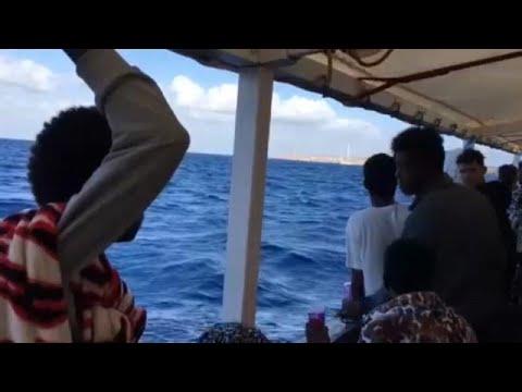 Έξω από τη Λαμπεντούζα το Open Arms με τους 147 μετανάστες