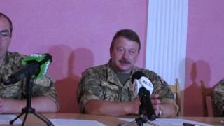 434 буковинців пішли служити за контрактом http://pogliad.ua/news/bukovina/434-bukovinciv-pishli-sluzhiti-za-kontraktom-iz-cherniveckoyi-oblasti-306728
