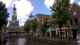 Alkmaar Netherlands  city photos gallery : Beautiful Building and Canal in Alkmaar, Netherlands