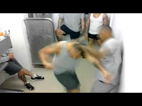 Street Fight - Jail House Fight - Gang fighting Crazy