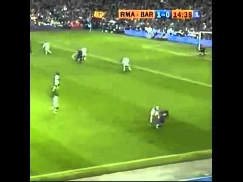 Messi biến huyền thoại Roberto Carlos thành gã hề