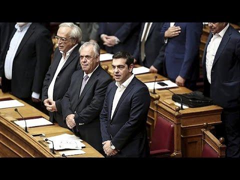 Ορκίστηκαν οι 300 της νέας Βουλής- Την Τετάρτη η ψήφος εμπιστοσύνης