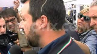 San Giovanni la Punta Italy  city photos gallery : Protesters greet Lega Nord's Matteo Salvini in San Giovanni La Punta