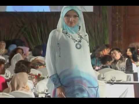 Puteri Indonesia 1993-2010 at 2 Decades Anne Avantie Fashion Show