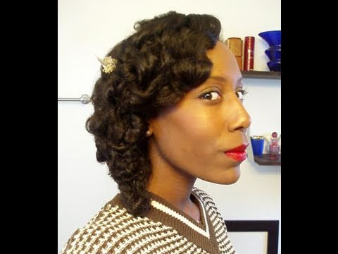 Best of the Web: 30s Inspired Side Swept Wave - Autumn aka The Retro Natural loves vintage hairstyles and fashion. Check out this video to see how she creates side swept waves after doing a flexi rod set on her natural hair. This style is versatile enough for a casual...