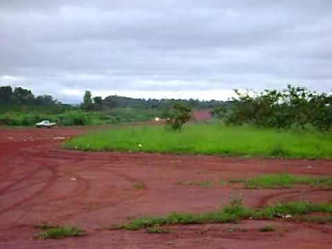 Decolagem de Avião Agrícola em Campo do Meio, no sul de Minas Gerais.