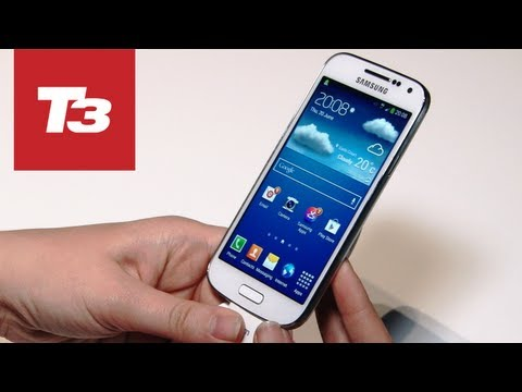 Samsung Galaxy S4 Mini hands-on preview. The S4's been doing well for Samsung and now its followed it up with the smaller pocket-friendly Samsung Galaxy S4 Mini