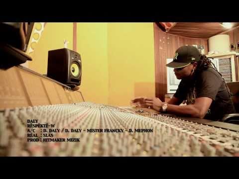 Daly - EN TÉLÉCHARGEMENT SUR : http://itunes.apple.com/fr/album/id433397117 http://www.deezer.com/fr/#music/daly http://www.ssbstore.com/archives/telecharge/album/1...