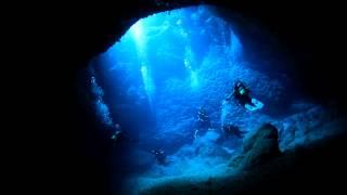 【沖縄県】宮古島の海中洞窟探検が美しすぎる!