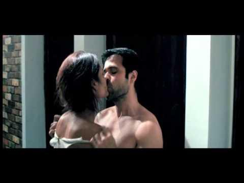 'Raaz 3' - Uncensored Kissing Scene.flv
