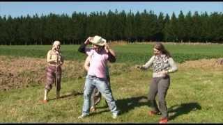 Versión Galega do Gangnam Style escrita e interpretada por Daniel Moreiras. Producida por Páramo Pictures. Rodado na Galicia...