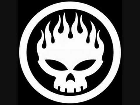 Tekst piosenki The Offspring - One Hundred Punks po polsku