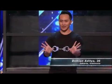 AGT 2017 -  Demian Aditya Amazing Magic Performance (видео)
