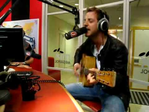 James Morrison-You Make It Real+He Breaks A Guitar String LIVE