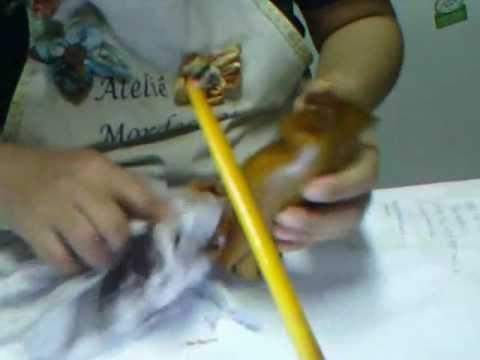 Coruja em gesso imitação de madeira.wmv