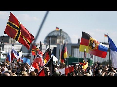 Γερμανία: Διαδήλωση ακροδεξιών κατά της μεταναστευτικής πολιτικής της Μέρκελ