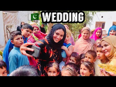 I WENT TO A WEDDING IN PAKISTAN! (Maliha's Pakistan Vlog 3)