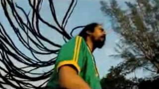 K'naan feat. Skank - Wavin' Flag