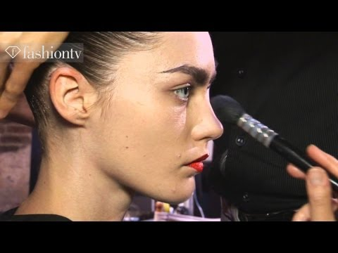 Models Backstage - Fashion Luxury Spring Water: Taste The Luxury http://www.fashiontv.com/product/fashionwater http://www.FashionTV.com/videos MILAN - FashionTV is backstage at...