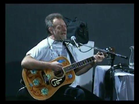 León Gieco video Canto en la rama - En vivo 2000