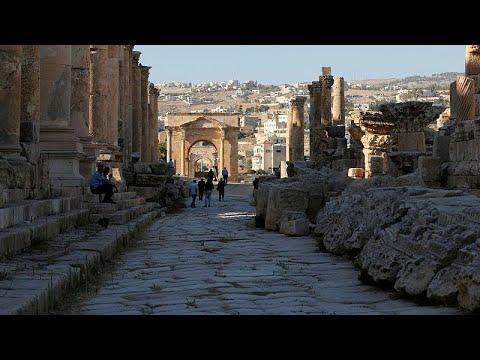 Επίθεση με μαχαίρι σε βάρος Ισπανών τουριστών στην Ιορδανία…